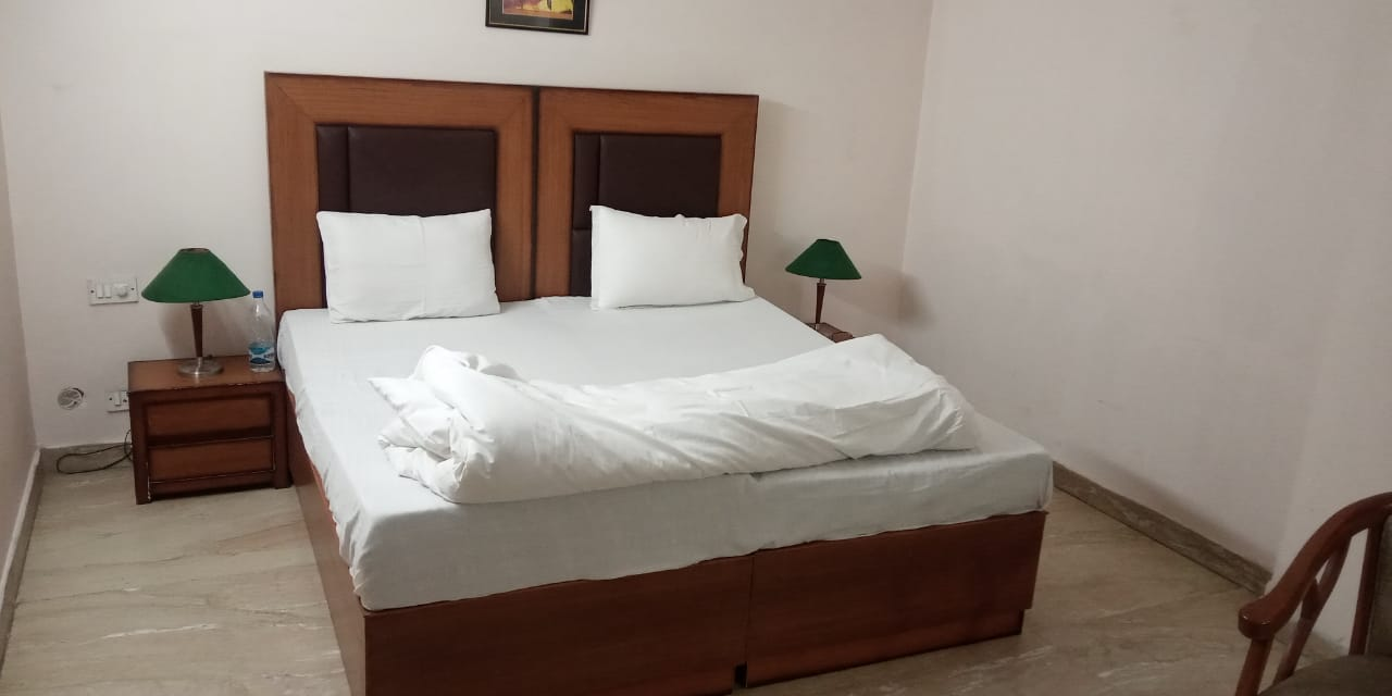 NStay 42 | PG near Star Mall
