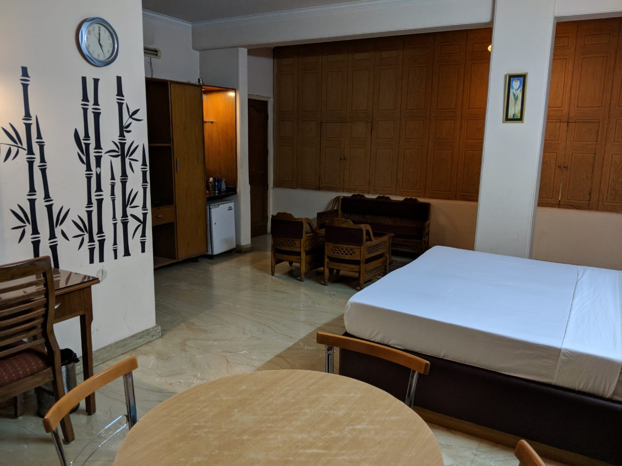 NStay 44 | Coliving PG in Sector 43 for Couples | Boys | Girls
